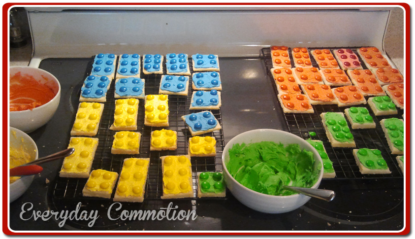 lego birthday party cookies with candy – Everyday Commotion